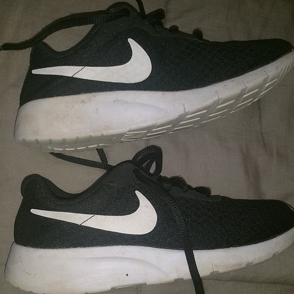 Nike Shoes | Youth Tennis Size 15 Y